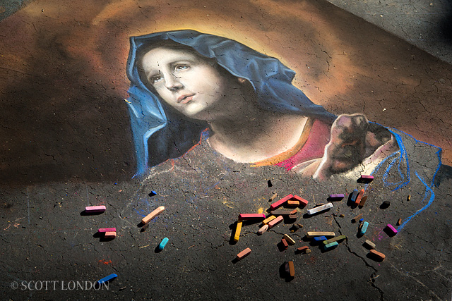 The I Madonnari Festival at Santa Barbara's Old Mission : Photo by Scott London